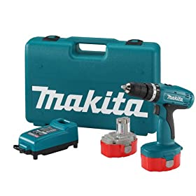 Makita 8390DWPE 18-Volt Ni-Cad 1/2-Inch Cordless Hammer Drill/Driver Kit