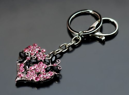 Schlüsselanhänger Herz mit Schmetterlingen 3D, mit Inspiration von Swarovski Kristallen, in einer Box, Q114153