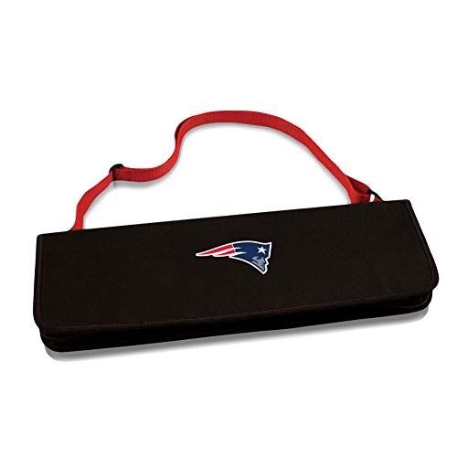Metro BBQ Tote - New England Patriots - The Metro BBQ Tote Stands Out Among Other Portable Barbecue Tool Set. It'S A 3-Piece BBQ Tool Set With Gray Silicone Handles In An Attractive Black Polyester Zip-Up Case With An Adjustable Black Shoulder Strap. It