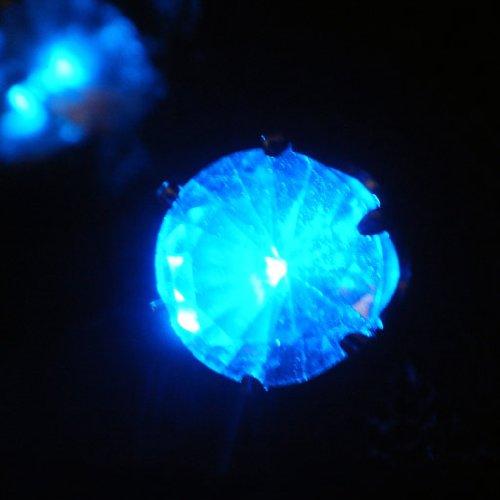 LED光るピアス ブルー