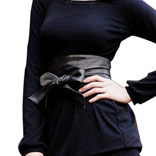 Des femmes portant un gode ceinture en photo sur 2Folie