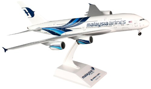 skymarks-skr693-malaysia-airlines-airbus-a380-1200-snap-fit-model
