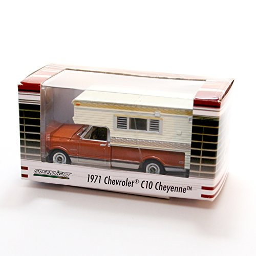 1971 CHEVROLET C10 CHEYENNE WITH LARGE CAMPER (Brown/White) * Hobby Exclusive * 2015 Greenlight Collectibles Limited Edition 1:64 Scale Die Cast Vehicle