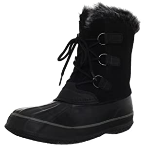 Three giant D-ring loops make it easy to lace into this sensational snow boot.