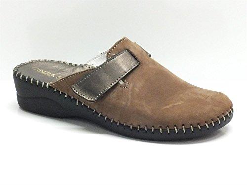 Pantofole Cinzia Soft in nabuk marrone con velcro regolabile (Taglia 39)