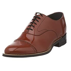 Men wedding shoes with different styles and models.