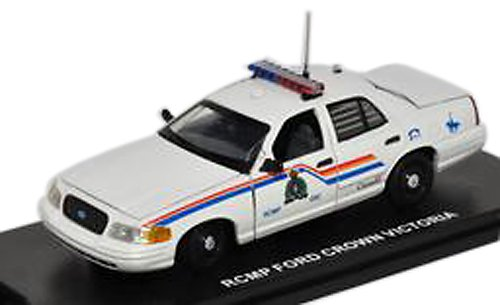 first-response-1-43-ford-crown-victoria-rcmp-white-japan-import