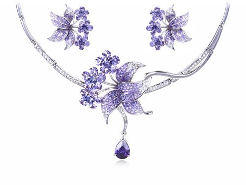 Swarovski Crystal Elements Pale Amethyst Bouquet Of Flowers Necklace Earring Set