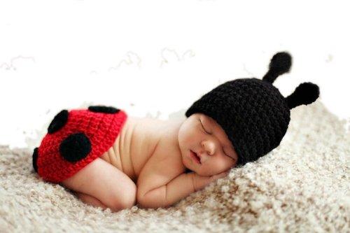 Eozyかわいいベビーニット帽+パンツ2点セット(新生児0?12か月) コスプレ(着ぐるみ)レッド てんとう虫 ☆出産祝い お食い初めの記念撮影や寝相アートに☆ 手編みディズニー キャラクター ミッキーマウス赤やんキャップ☆