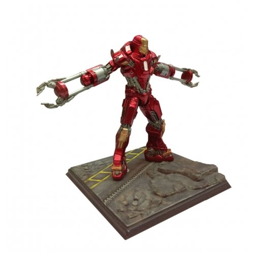 "Dragon Models Iron Man 3 - Mark 35 - Disaster Rescue Suit ""Red Snapper"" Model Kit (1/24 Scale)"
