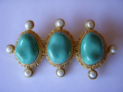 Turquoise Pin with Fesh Water Pearls