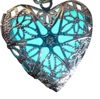 Womens-Glow-in-the-Dark-Heart-Locket-Necklace-Steampunk-Style-Nice-Necklace-for-Girls-Comes-in-2-Colors-Blue-and-Green