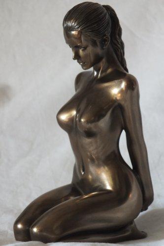 Weiblicher Akt Entspannung Frau kniet Hände hinten bronziert Figur Skulptur thumbnail