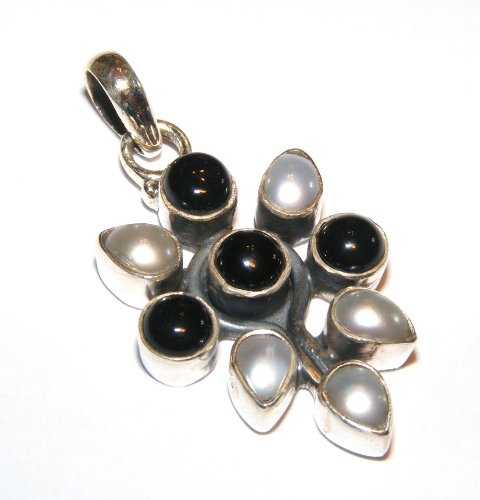 freshwater-pearl-petal-and-black-agate-sts-pendant