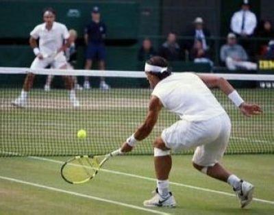 All About Autographs AAA-10944 Rafael Nadal Tennis 8x10 Photograph 2008 Wimbledon Action vs Roger Federer