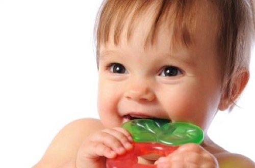 The Essential Guide To Baby Teething: Natural Treatments and Remedies That Soothe Baby Teething Pains