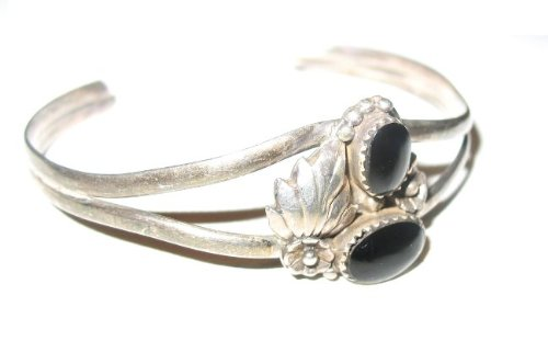Native American Sterling Silver Black Onyx Leaf Bracelet