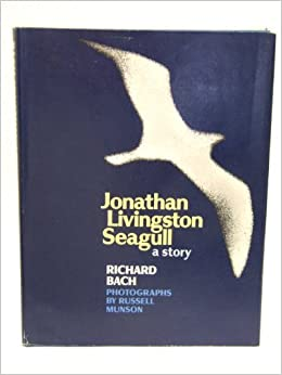 Jonathan Livingston Seagull: Richard Bach: 9788172235789: Amazon.com