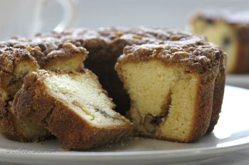 Coffeecakes.com Traditional Cinnamon Walnut Coffee Cake