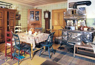 Old-Fashioned Kitchen, 1000 Piece Foam Backed Perfalock Jigsaw Puzzle Made by Wrebbit - 1