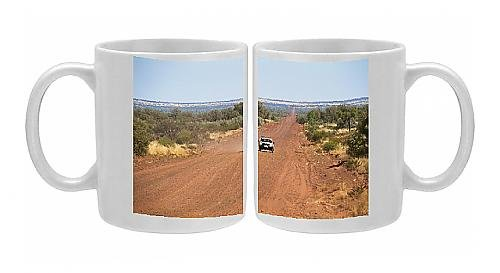photo-mug-of-mereenie-loop-the-four-wheel-drive-road-from-kings-canyon-to-alice-springs