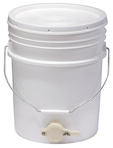 Little Giant Farm & Ag BKT5 Plastic Bucket, 5-Gallon