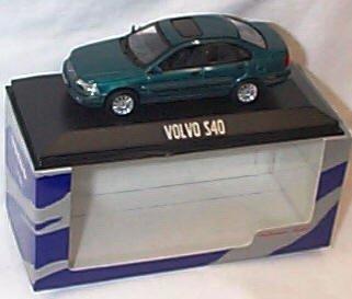 minichamps-green-volvo-s40-model-car-143-scale