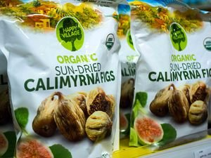 Organic Unsulfured Sun-dried Calimyrna Figs 80 oz (5 lbs) by Happy Village Organic Kosher - BRC food Certified. from Izik Trim