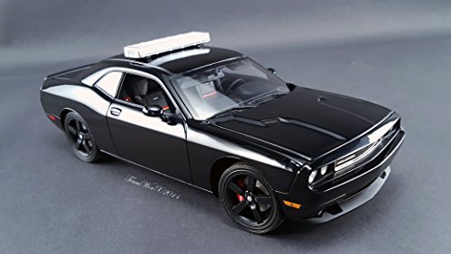dodge-challenger-srt8-blackout-chase-car-with-working-led-lightbar-limited-edition-to-510pcs-1-18-by