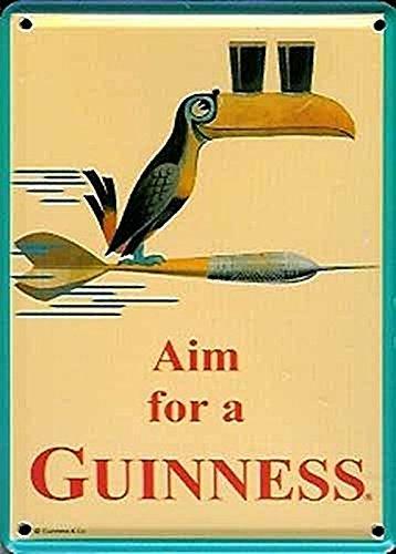 """GUINNESS - """"GUINNESS IRISH AIM FOR"""" (gli irlandesi puntano alla Guinness), targa pubblicitaria da pub in metallo, d'epoca"""