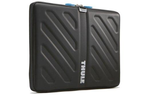 thule-gauntlet-tas-113-133-macbook-pro-and-retina-display-sleeve-black