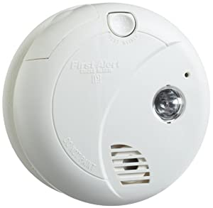 first alert sa720cn smoke alarm photoelectric sensor with escape light smoke detectors. Black Bedroom Furniture Sets. Home Design Ideas
