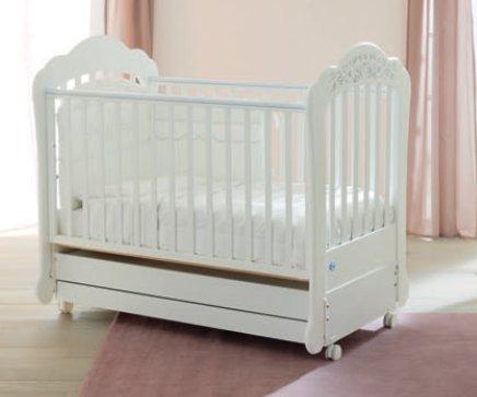 Babybett-mit-Schaukelmechanismus-Prestige-Sofia-124x64-cm