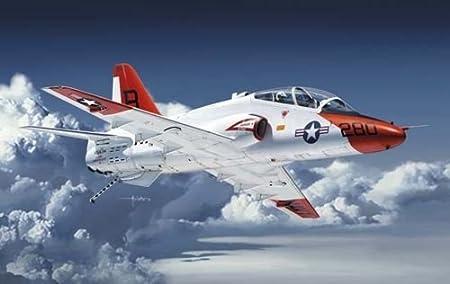 T-45A / C Autour jet d'entraînement de la Marine (01:48)