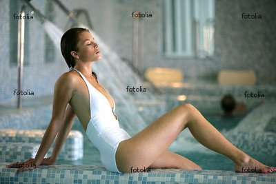 'Belle Femme Blonde En Maillot De Bain' Wall Decal - 60
