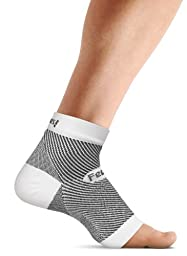 Feetures! PF Sleeve Pair Socks, Small, White