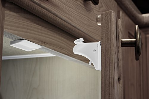 door safety straps childproof magnetic cabinet locks 4 locks 1 key latches hinge ebay. Black Bedroom Furniture Sets. Home Design Ideas