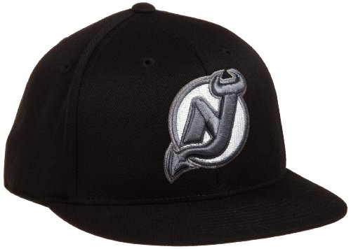 NHL New Jersey Devils Game Day Black Pro Shape Flat Brim Flex Cap- Tx79Z