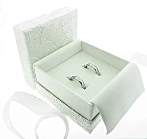 Attractive wedding rings Amore double wedding ring box