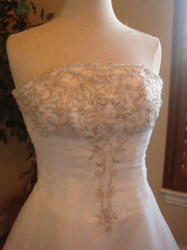 D2012 - Custom Wedding Dresses - Designer Bridal