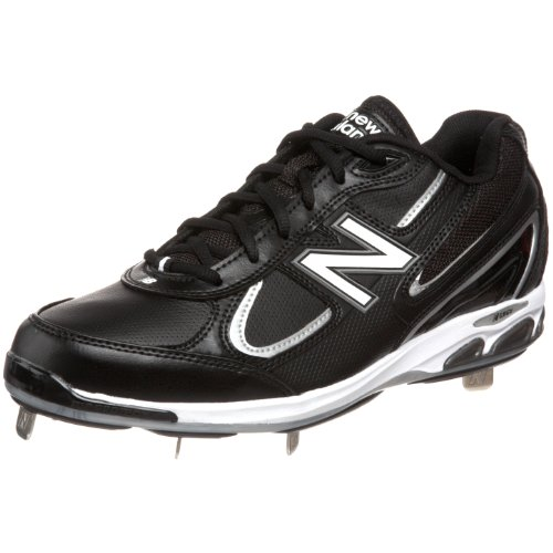 Designed with data from baseball's elite athletes, the New Balance v3 baseball shoe delivers the tech you need to help power your play.