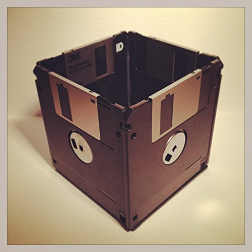 recycled-floppy-disk-desk-tidy-black-grey