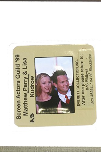 slides-photo-of-canadian-us-actor-matthew-perry-being-photographed-with-us-actress-lisa-kudrow-at-19