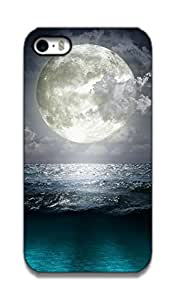 The Racoon Grip printed designer hard back mobile phone case cover for Apple Iphone 4/4s. (blue moon-)