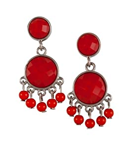 """SIX """"Poppy"""" Ohrstecker aus zwei aneinander hängenden, roten Steinen und daran baumelnden roten Perlen (318-117)"""