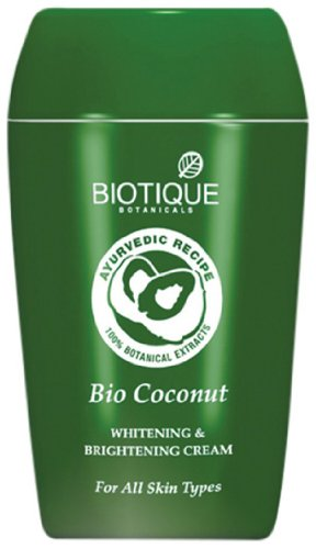 Biotique Bio Coconut Blanchiment & Eclat Crème pour tous types de peau de 1,9 oz / 50g