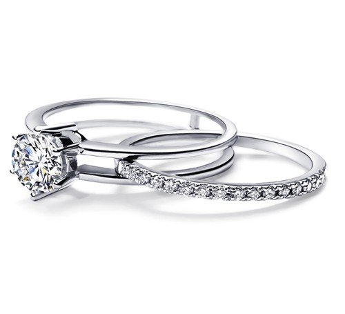 0.58 Carat Bridal Sets Round Cut Diamond on 18K White gold