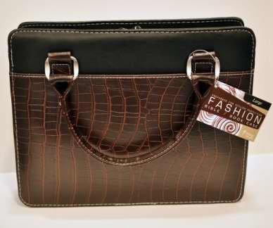 Bibbia, in stile borsetta di coccodrillo, grande, colore: marrone, con motivo di Christian Art Gift