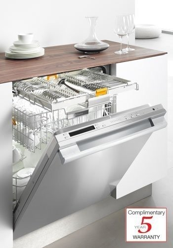 Miele Futura Diamond Series G5975SCSF, 5 Year Warranty: Clean Touch Steel