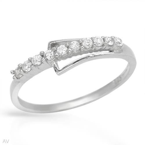 Ring With 1.00ctw Cubic zirconia Beautifully Designed in 925 Sterling silver (Size 6)
